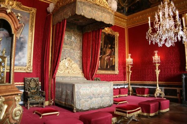 királyi ágy